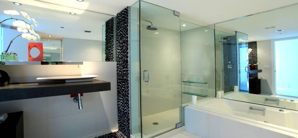 Mamparas Para Baño De Cristal Templado:Mamparas de ducha a medida, mamparas de bañera, mamparas fijas y
